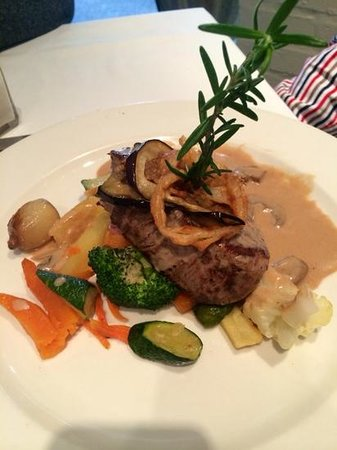 Avontuur Wine Estate: Fillet Steak in Mushroom Sauce