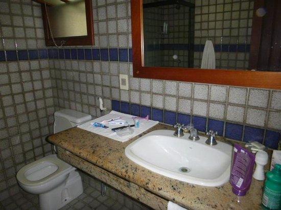 Oceano Praia Hotel: Banheiro