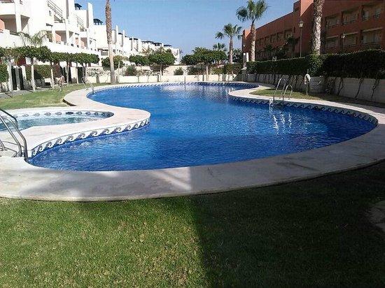 Apartamentos Paraiso Playa : Piscina comunitaria