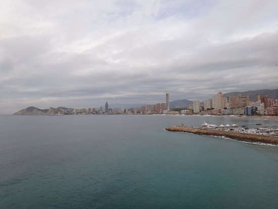 "Poniente Beach : Вид на Поньена с ""балкона Европы"""
