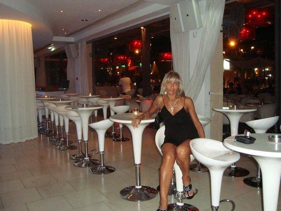Napa Plaza Hotel: Бар
