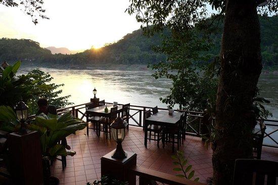 Khem Khong: Restaurant