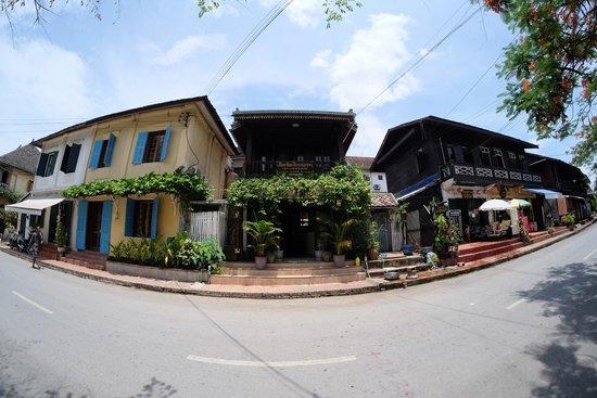 Khem Khong: Front of guesthouse