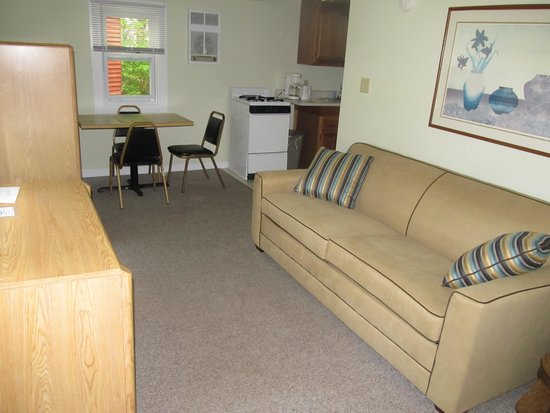 Seahorse Resort: Large 1 bedroom with living room and kitchen.