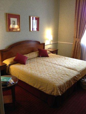 Intur Palacio San Martin : 4th floor room