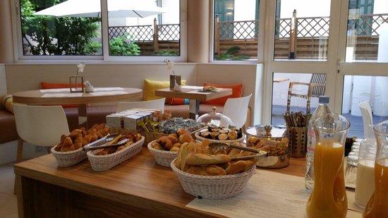 Citadines Cannes Carnot : Frühstück