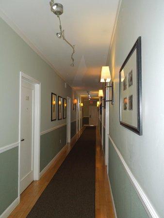 Cadet Hotel: Corredor do hotel