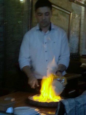 Barbecue House : Preparing the Testi Kebab