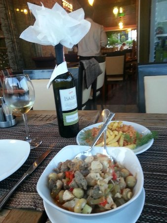 Barbecue House : Good Turkish white wine and Testi Kebab