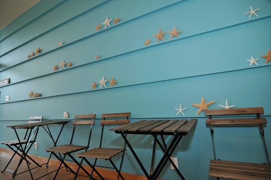 Rice Paradise: Our beach themed wall