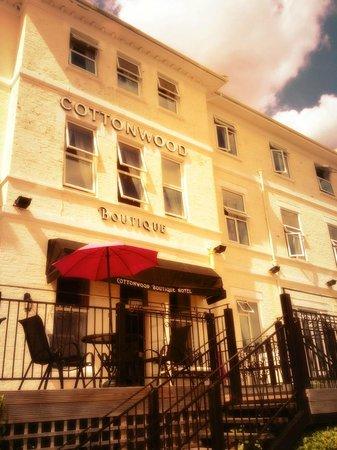 The Cottonwood Boutique Hotel: Gorgeous exterior