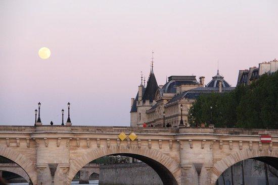 La Seine : La Conciergerie