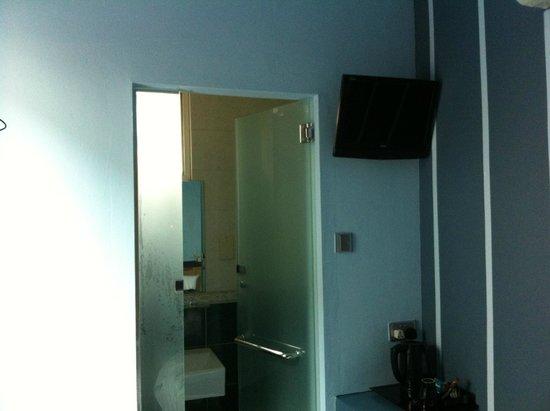 Park 22 Hotel: Bathroom