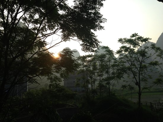 Yangshuo Tea Cozy : Sunrise - view from our room
