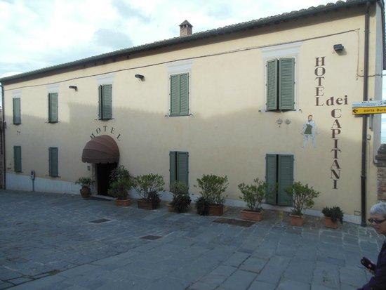 Hotel dei Capitani: Hotel From Street