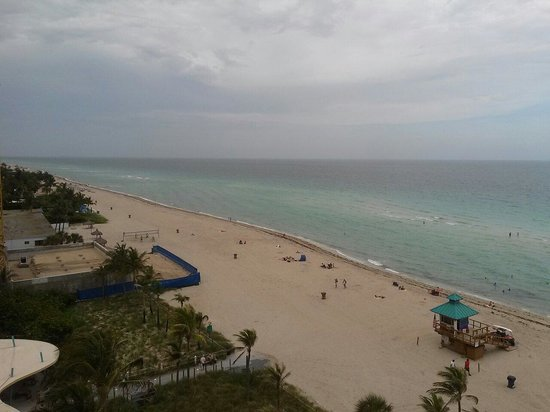 Doubletree by Hilton Ocean Point Resort & Spa - North Miami Beach: View from suite 908-1