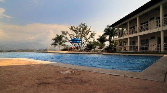 HOTEL MIRADOR LAS PALMAS: Piscina sin fin