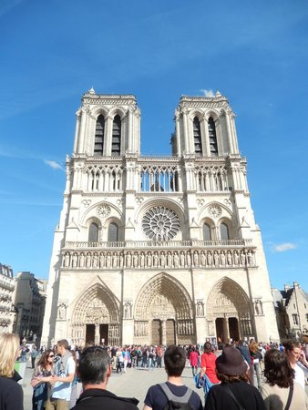 Paris Urban Adventures: Notre Dame