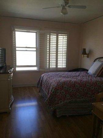 Hotel Mayflower: Queen Room