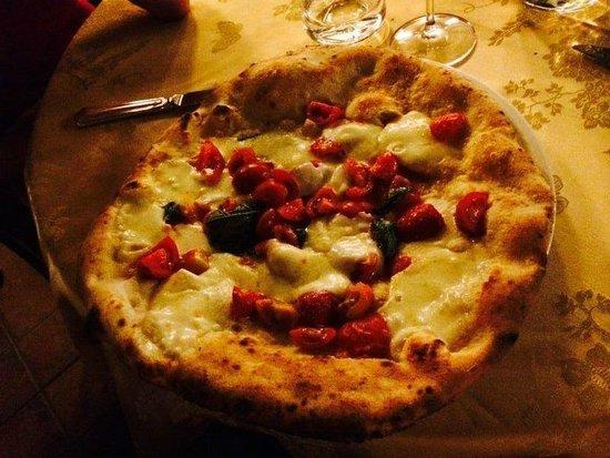Bar Calise: pizza