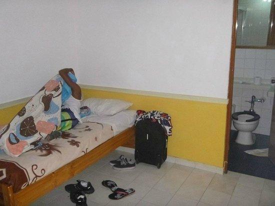 Hotel María Luisa: Habitacion