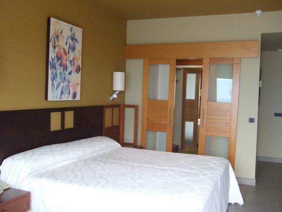 Roca Nivaria GH - Adrian Hoteles : Room 551 with walk-in wardrobe