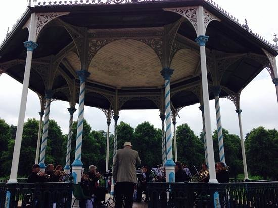 The Quarry: Bandstand