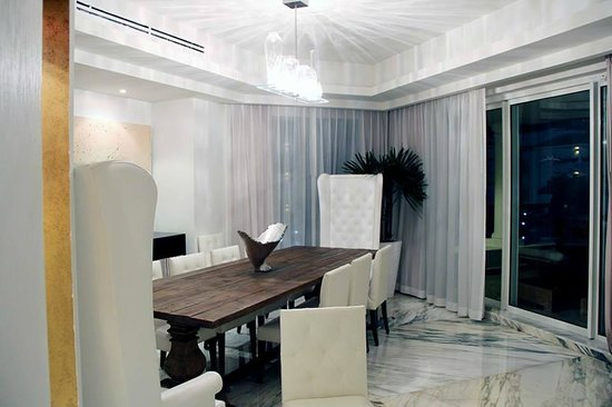 Moon Palace Cancun: our dining room in our suite