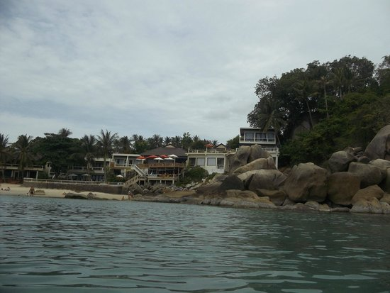 Crystal Bay Beach Resort: A view of the hotel from the sea
