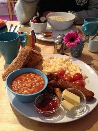 Motel Schmotel: Delicious breakfast - choice of in your room or breakfast room!