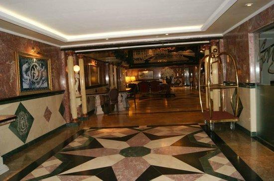 Parque Balneario Hotel: Entrée de l'hôtel