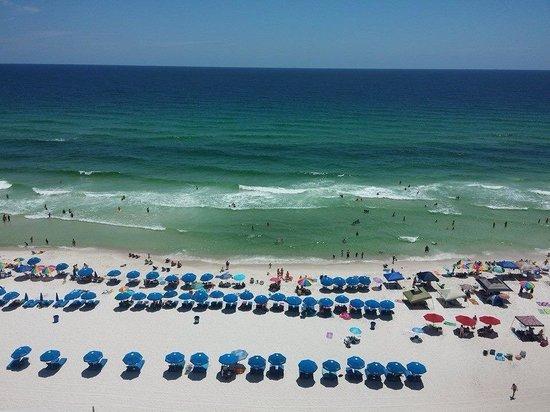 Majestic Beach Towers: Beach view