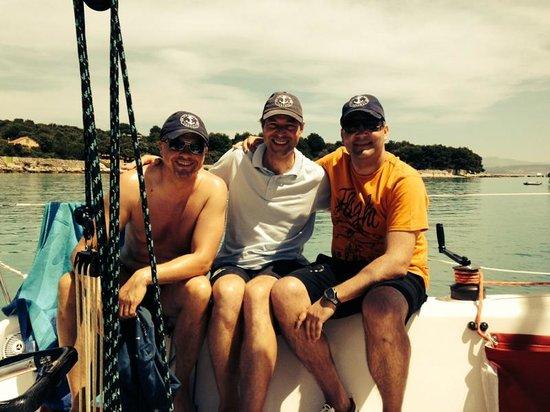 Providenca Charter and Travel: Crew vor der blauen Lagune