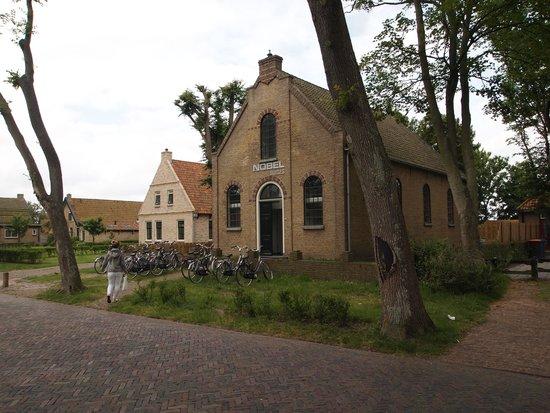 Hotel Nobel Ameland : De kerksuites.