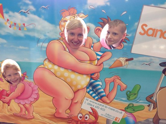 Sand le Mere Holiday Village: Bonnie jane and kids