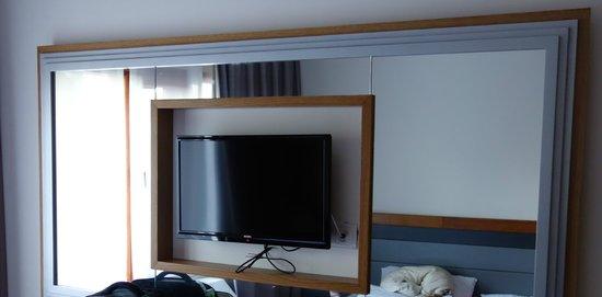 Pine Bay Holiday Resort: tv dans la chambre standard bungalow