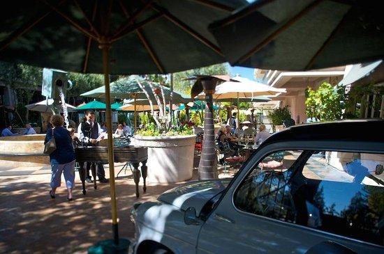 Caffe Riace Ristorante Italian: piazza