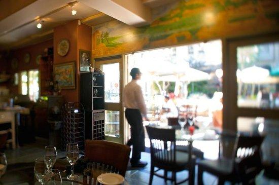 Caffe Riace Ristorante Italian: main dining room