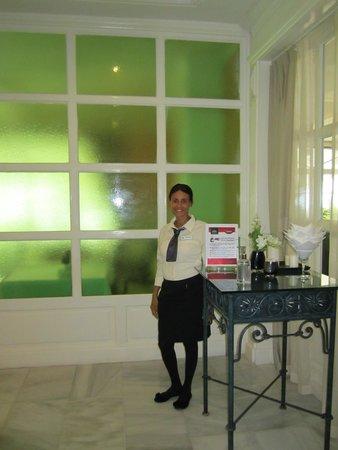 Luxury Bahia Principe Cayo Levantado: Our hostess Yaneuris at the buffet restaurant
