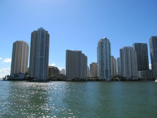 Gray Line Miami Hop on Hop off Bus : View of Miami from the boat