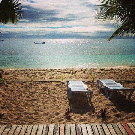 Beachcomber Island Resort: The view from our beachfront bure, AMAZING