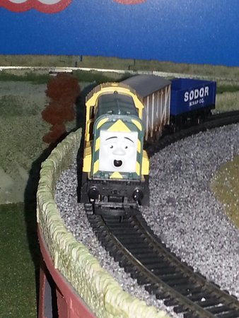 The Hornby Visitor Centre: Smile Paxton!