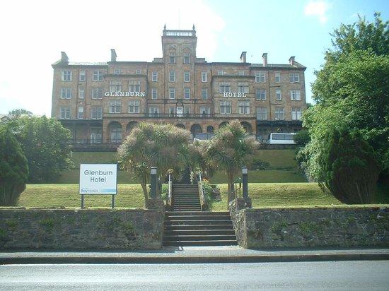 The Glenburn Hotel Ltd: Glenburn Hotel from the prom.