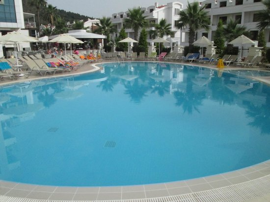 Ideal Pearl Hotel : pool