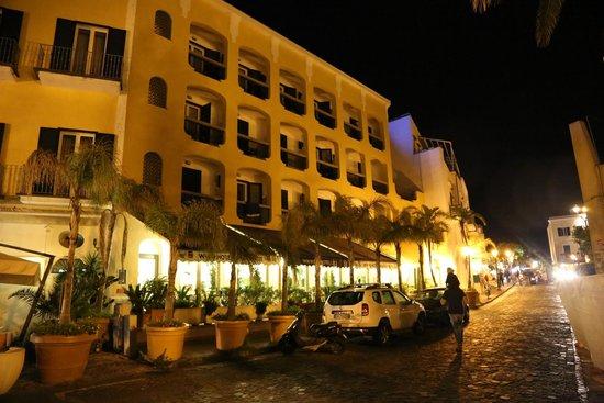 Aragona Palace Hotel : viste esterna dell'hotel