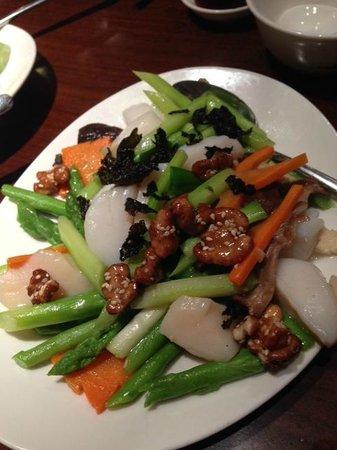 Tea of Spring at Shangri-La's Mactan Resort & Spa: Stir-fried scallops
