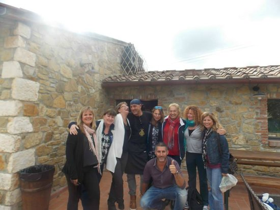 Cooltours - Day Tour: Lovely day at a winery with Anna Maria