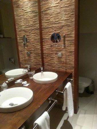 Los Nogales: baño habitación