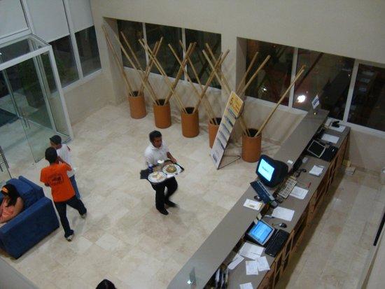 City Express Tuxtla Gutierrez: Lobby