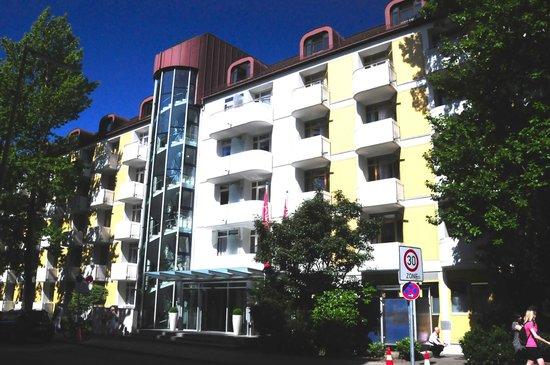 Leonardo Hotel & Residence München: Aussenansicht